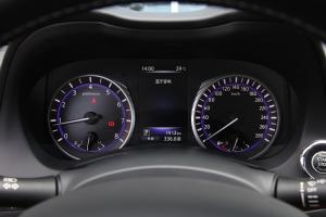 英菲尼迪Q50L仪表盘图片