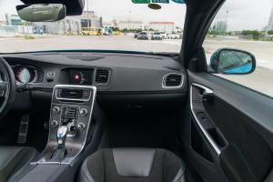 V60副驾驶位区域