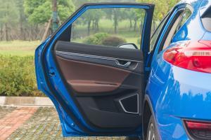帝豪GS2017款 吉利帝豪GS 运动版 1.3T 6DCT 智联型