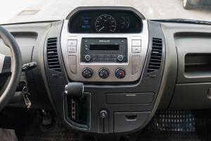 大通EV80中控台整体图片
