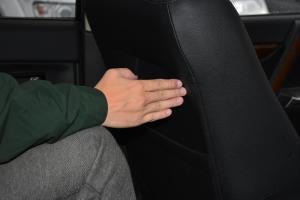 帕杰罗(进口)后排腿部空间体验图片