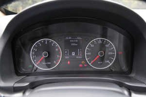 野马T70仪表盘图片
