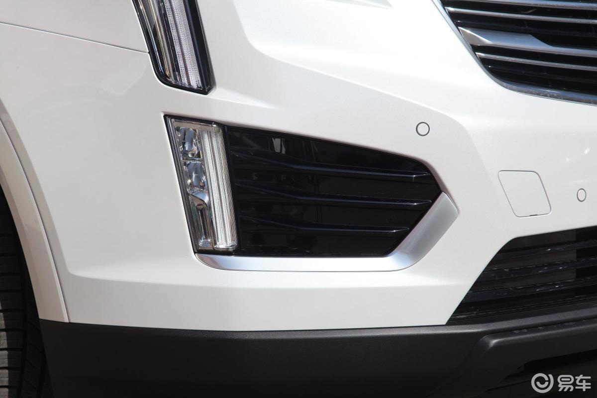 【凯迪拉克xt52018款28t 四驱 豪华版侧前45度车头向