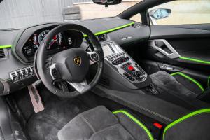 兰博基尼Aventador前排