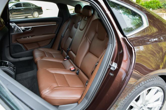沃尔沃S90S90后排座椅
