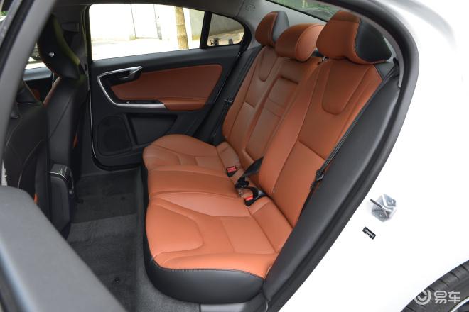 沃尔沃S60S60后排座椅