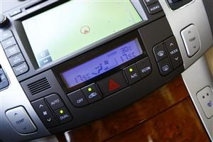 领翔中控台空调控制键图片