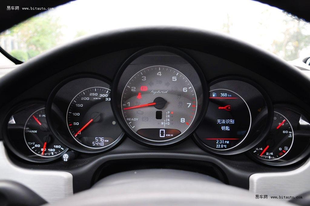 奔驰s350 仪表盘 nnn在 高速 弯道时高清图片