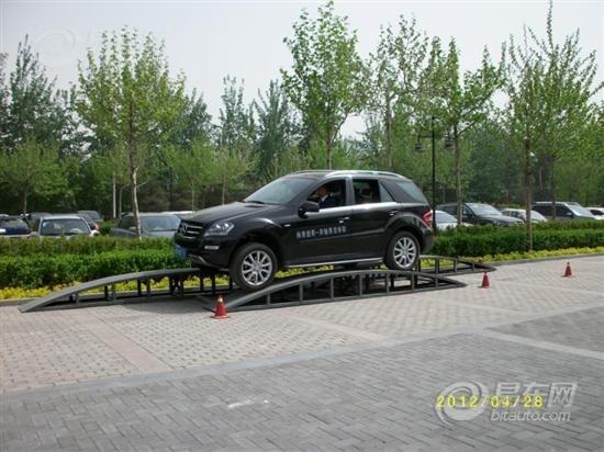 奔驰(北京)中心场地试驾活动完美收官