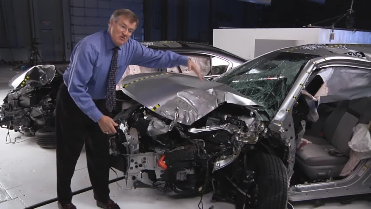 家用车碰撞集锦 美国IIHS权威发布