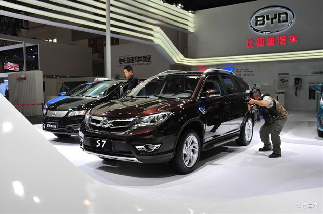 2014北京车展 比亚迪全新SUV S7正式亮相