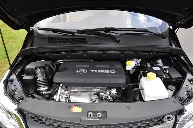 宝骏560发动机舱图解-1.5T 6MT 动力充沛 燃油经济性高高清图片