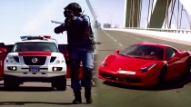 极品飞车 迪拜警车GT-R街头追逐法拉利