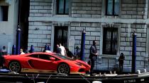 风情万种 兰博基尼Aventador横穿威尼斯