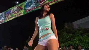 细腰长腿泰国美女车模