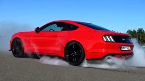 2015福特Mustang GT 原地烧胎起步