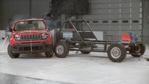 2015款Jeep自由侠 IIHS侧面碰撞测试