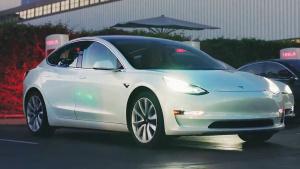 特斯拉Model 3动态展示