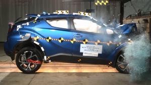 丰田C-HR正面碰撞测试