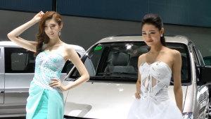 2014广州车展 菱智M3车模春光乍泄