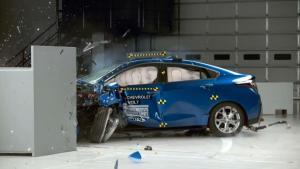 2017款雪佛兰Volt IIHS正面25%碰撞测试