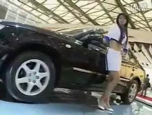 车靓人美车展上的现代索纳塔御翔