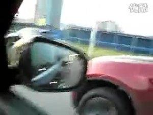 网友自拍 英菲尼迪EX对战BMW X6