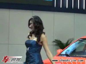 第六届广州车展海马车模演绎典雅气质