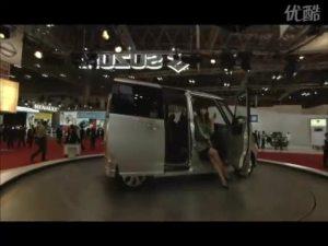 东京车展上造型优雅的厢式轿车