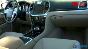 外媒试驾评测2011款克莱斯勒300