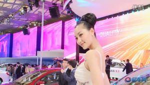 2011上海车展  帝豪EC7白裙虎牙女孩