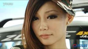 2011广州车展 众泰5008迷彩服女模