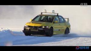 雪地狂飙 雅马哈R1对阵保时捷GT3 RS