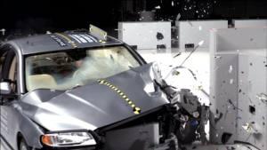 2014款沃尔沃S80 正面25%碰撞测试