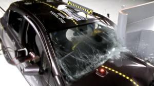 2013款丰田雅力士 正面25%碰撞测试