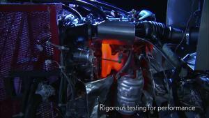 雷克萨斯LF-NX 2.0涡轮增压发动机