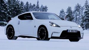 日产370Z Nismo姿态优美 雪地激情漂移