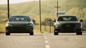 特斯拉Model S vs奥迪S7 直线加速赛