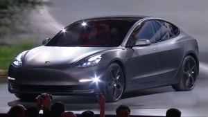 全新特斯拉Model 3 最多可行驶346公里