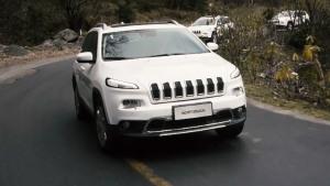 2016款Jeep自由光 配FSD主动减震系统