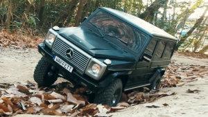 岩石堆越野 奔驰G级遥控车大显身手