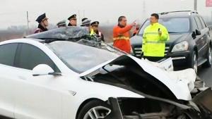 央视:自动驾驶之祸 23岁小伙命丧特斯拉