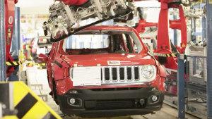 设备先进 实拍Jeep全新自由侠工厂