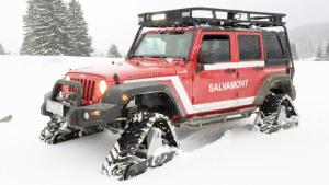 驰骋雪地 Jeep牧马人配三角履带轮