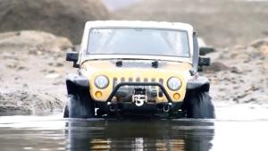 Jeep牧马人RC遥控车 涉水越野遇强敌