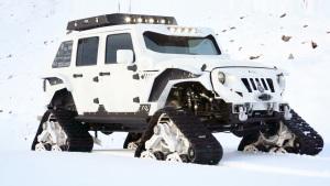 Jeep牧马人加装三角履带轮 夜爬雪山