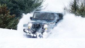 Jeep牧马人终极四驱利器 雪山放肆撒野