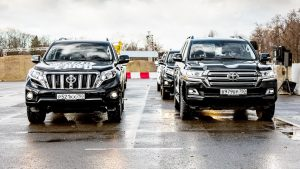 丰田SUV双雄携海拉克斯 征服多种地形