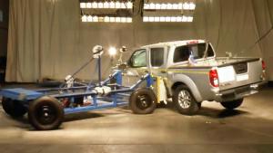 2017款日产Frontier皮卡 侧面碰撞测试