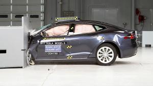 2017款特斯拉Model S IIHS正面25%碰撞